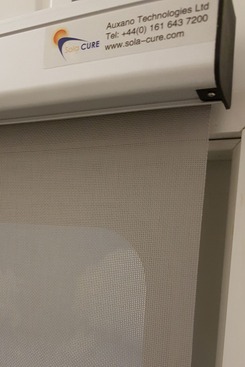 Sun screen fabric window blind